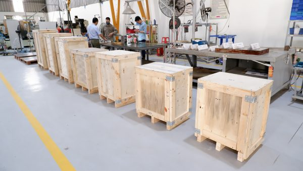 Injection mould tool packing