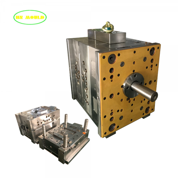 plasic injection mould